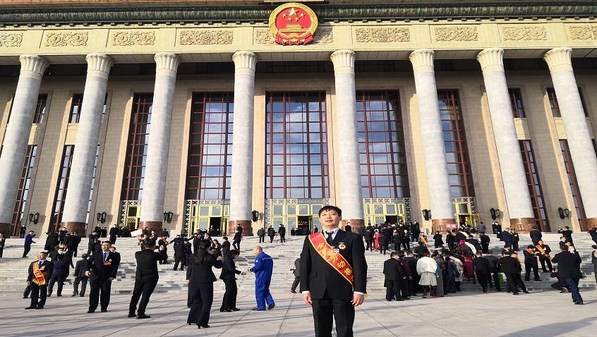 ภูมิใจ| Feng Huanfeng จาก Hailiang ได้รับรางวัลกิตติมศักดิ์นายแบบรุ่นคนงานแห่งชาติ